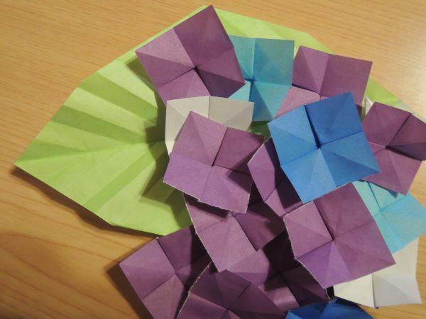 クリスマス 折り紙 折り紙で作る花 : xn--o9ja9dn55ayerin411bcd3afbgz3gd4y.jp