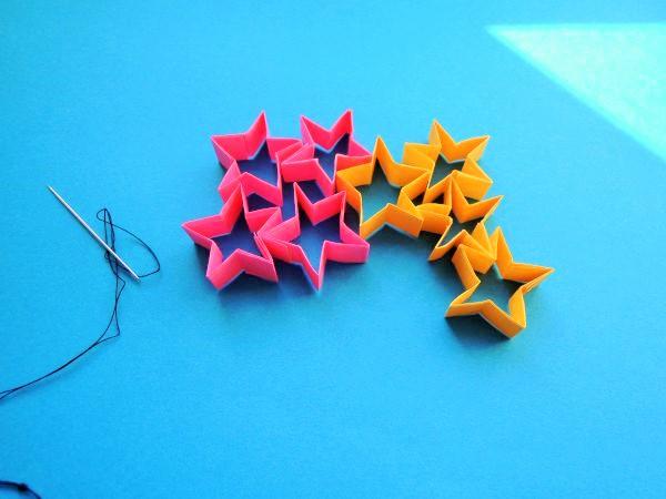 折り紙で星つづりを作る!折り方と作り方を画像と動画で|クリスマス・七夕飾りに