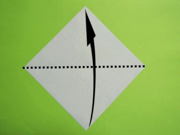 ハロウィンの折り紙飾り!切り紙で手作りする簡単こうもりの作り方