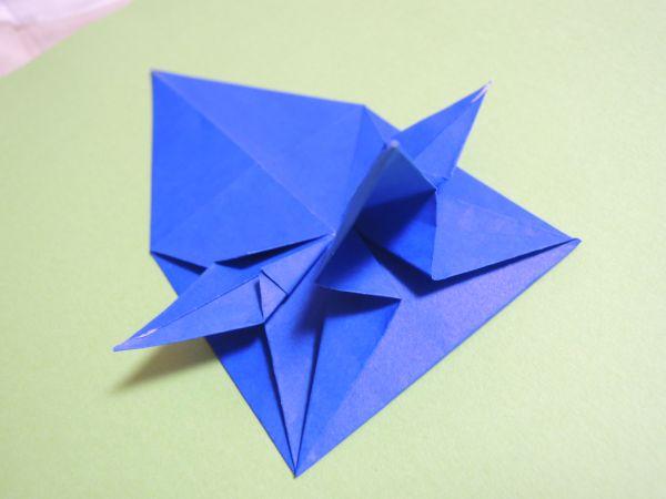 折り紙で華やかなポインセチアリース作り方・折り方|クリスマス飾り