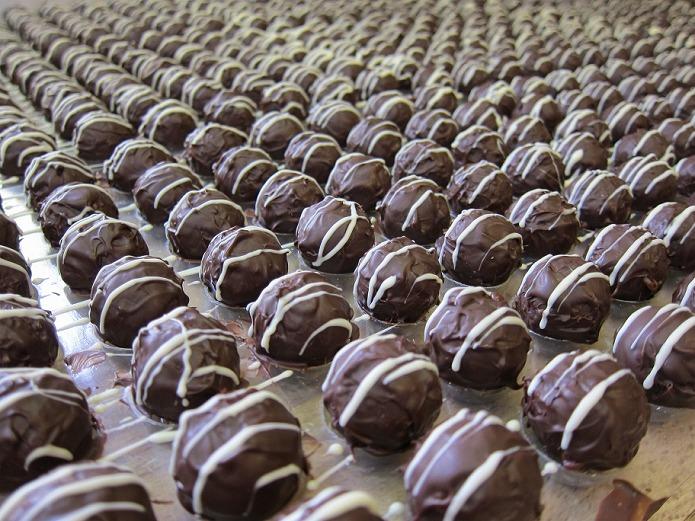 バレンタイン定番チョコレートの手作りトリュフ 仕上げ次第であなただけのオリジナル手作りトリュフで気持ちが伝わる