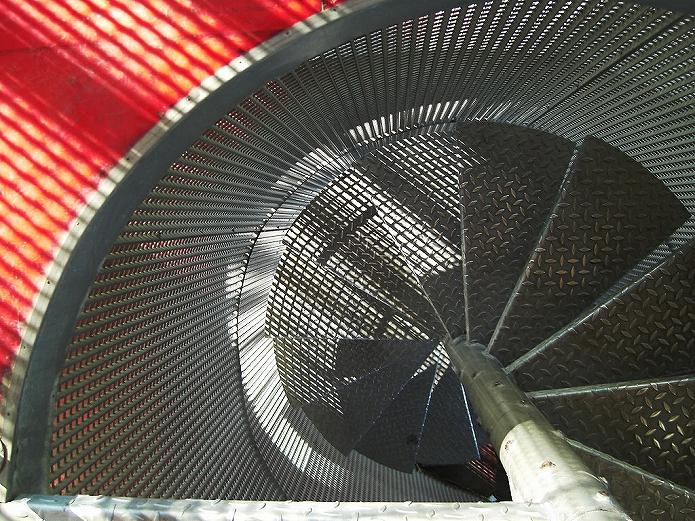 おうちカフェインテリアをお部屋選びから 螺旋階段で目が回る003