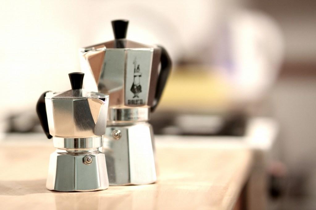 マキネッタ用細挽きコーヒー豆1kgも入って送料無料のクラシカルコーヒーロースターがおすすめ!