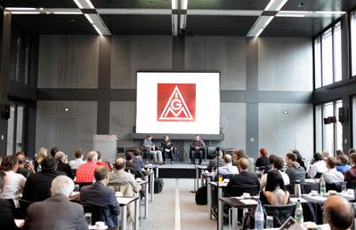 Die Betriebsräte Donald Magdanz (Vestas Lübeck) und Harald Frick (Conergy Frankfurt/Oder) gaben einen lebendigen Einblick in den Arbeitsalltag in den Erneuerbaren.