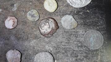 Антични монети