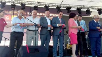 Кметът на Минерални бани откри панаир в Чорлу