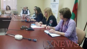 Трима нарушиха домашната си карантина в Хасковско