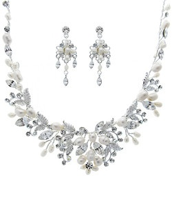Serendipity Tiaras & Jewelry Freshwater Pearl Couture