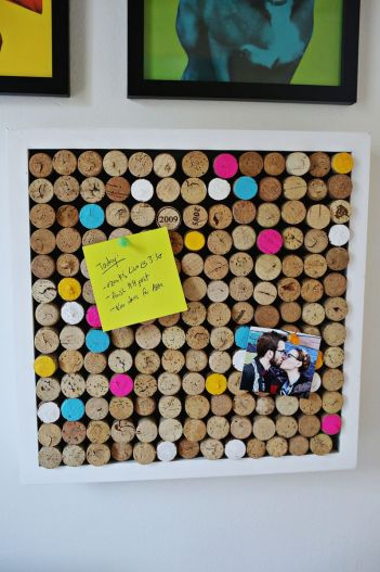 12 DIY Wine Cork Crafts. DIY Bulletin Board Wine Cork Crafts. Where are all my fellow wine lovers at?! This is amazing! I love this craft idea. Turn wine corks into awesome DIY crafts, home decor and gift ideas. This is so cool! I love it! Perfect for wine lovers! Pinning for later!