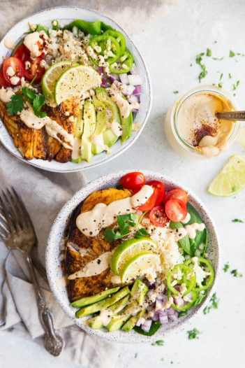 Whole30 Fish Taco Bowl fast and easy weeknight busy meals. This is so perfect for busy weeknights and still stay on a Whole30 lifestyle! I love Whole30! Its easy and so fast to make these meals for you and your family and still keep on your diet and lose weight! Just because you are busy doesn't mean you can't eat well like Whole30! Saving for later!
