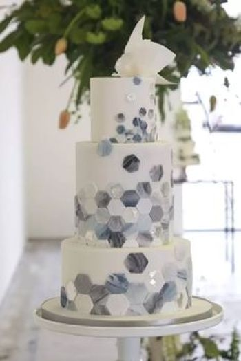 11 Unique and Elegant Marble Wedding Cake Ideas - XO, Katie Rosario