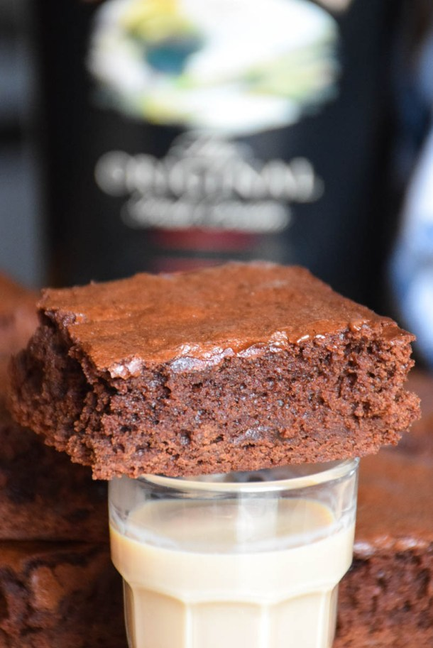 Irish Cream Fudge Brownies | Bailey's Irish Cream is an Irish dairy cream drink with chocolate and Irish whiskey, it's become a staple on St. Patrick's Day. It's easy to use Irish cream in dessert recipes because of its chocolate cream flavors. Bailey's Irish cream desserts are simple and delicious! #xokatierosario #baileysirishcream #irishcream #stpatricksdaydesserts