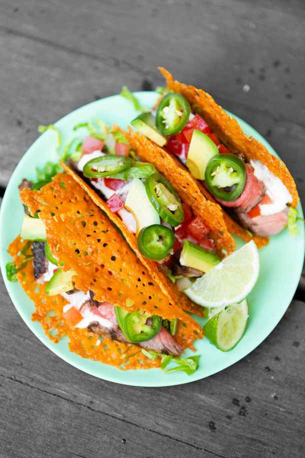 Keto Steak Taco in a Cheese Shell | Today we are looking at 16 clean eating dinners that'll take 30 minutes to make. It's nice to have some quick and easy clean eating recipes like these that you can refer back to. These healthy meals take 30 minutes so you can enjoy the rest of your night full and satisfied. #xokatierosario #cleaneatingdinnerrecipes #healthymeals #30minuterecipes