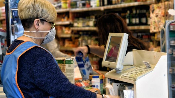 Τα νέα μέτρα με χιλιομετρικό όριο στα ψώνια – Στο βαθύ κόκκινο η πίεση στο ΕΣΥ, εφαρμόζεται σχέδιο έκτακτης ανάγκης