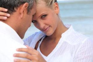Διαφορά ηλικίας: Σε ποιες γυναίκες αρέσουν οι μικροί και σε ποιες οι μεγάλοι άντρες;