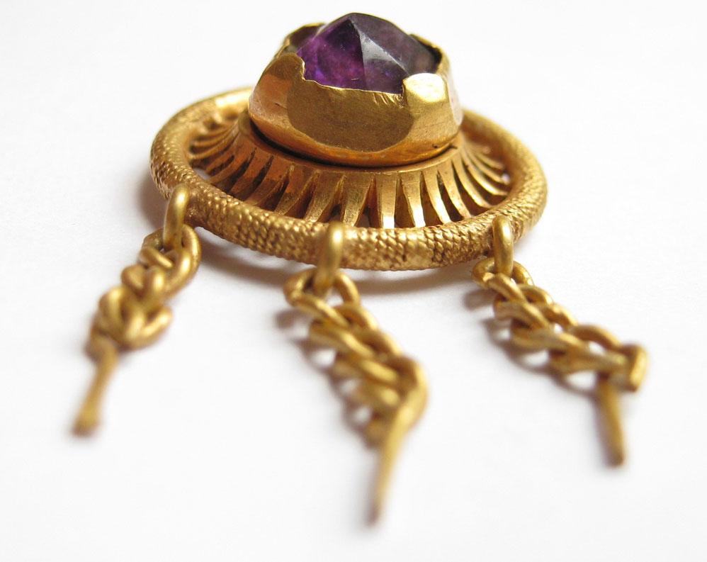 Gold-Jewel-found-with-an-xp-deus