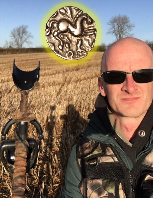 John finds a Celtic Gold coin with his XP Deus metal detector
