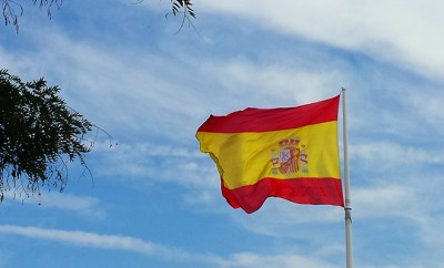 Spanish flag in plaza colon