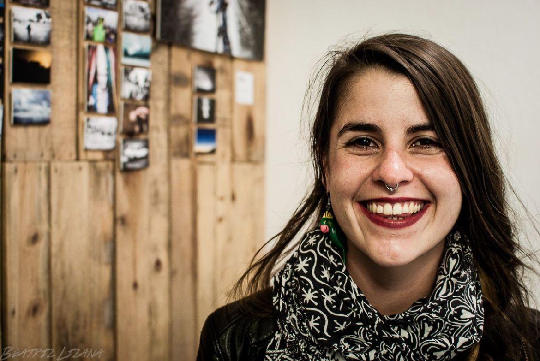 Retrato de la bloguera de viajes Andrea, de Lapiz Nómada