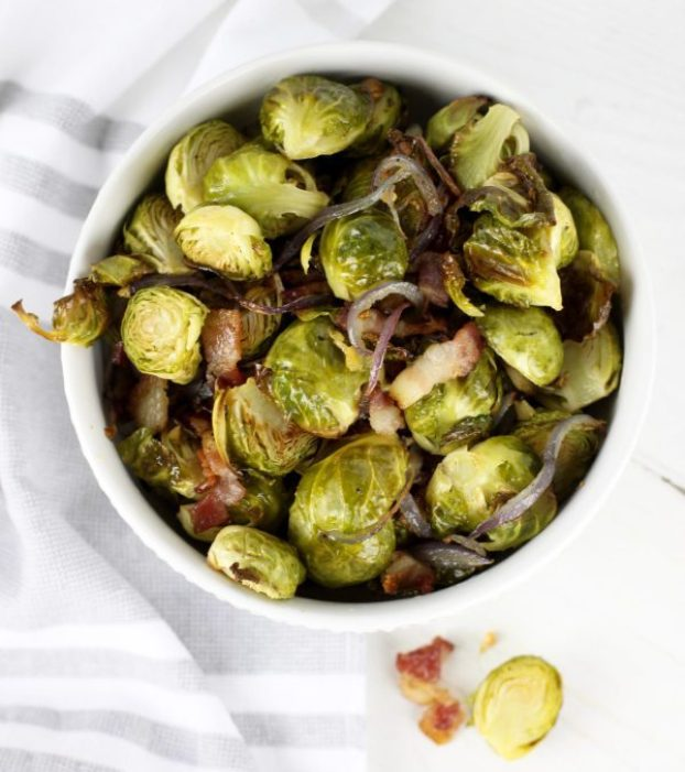 12 Paleo Dishes Perfect for Thanksgiving | Roasted Brussel Sprouts with Bacon - www.Xperimentsinliving.com