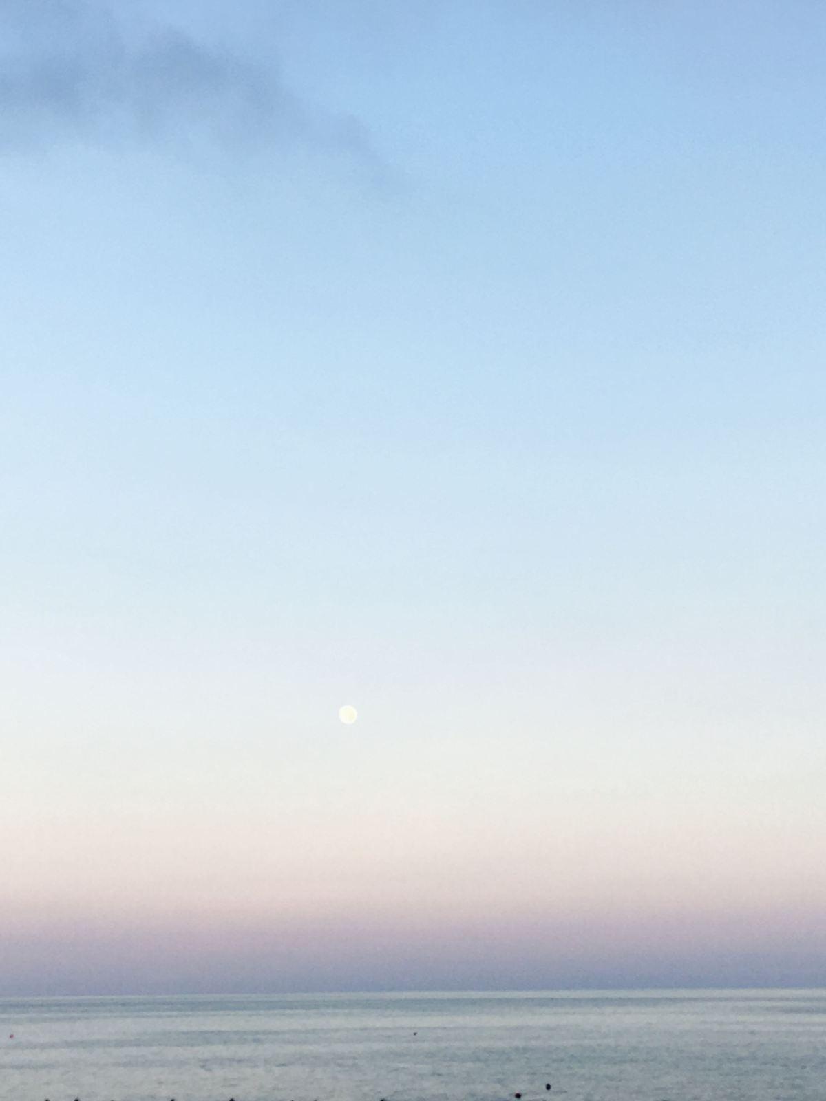 Pietra16_tramonto con luna toni chiari