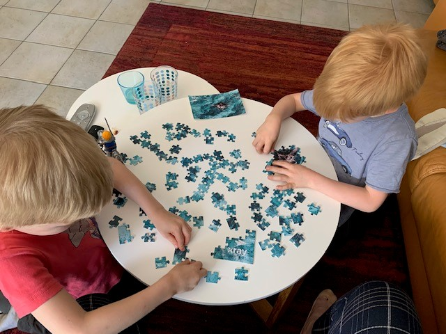 Kinder mit xray sports Puzzle