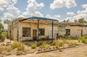 Abandoned-Garage_450-x-298_12-27-2015_39438293_s