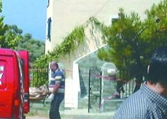 Η χτένα στο φέρετρο έλυσε τον γρίφο της δολοφονίας στη Θάσο το 2001, σύμφωνα με την αστυνομία