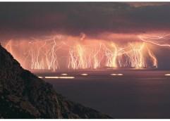 Μέχρι την Πέμπτη μεσημέρι στην Καβάλα: Επιδείνωση του καιρού με ισχυρές κατά τόπους καταιγίδες και λασποβροχές