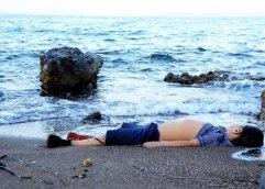 Ποστάρετε φωτογραφίες νεκρών παιδιών στο facebook. Μπράβο σας!