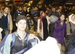 Οι πρόσφυγες «σώζουν» την κυβέρνηση