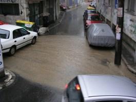 Ισχυρές βροχές και καταιγίδες σε όλη τη χώρα μέχρι το Σάββατο