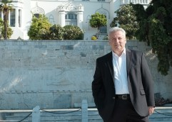 Βαγγέλης Παππάς: «η δήμαρχος παραδέχθηκε ότι προσλαμβάνει μέλη της παράταξής της στο Δήμο. Αυτά τελειώνουν στις 26 Μαΐου»