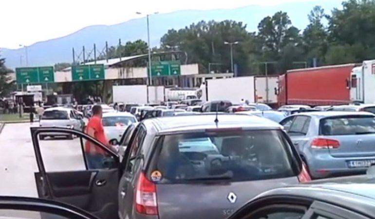 Αυξημένη η κίνηση των αυτοκίνητων στον Προμαχώνα, εκτεταμένους ελέγχους διενεργούν τα συνεργεία του ΕΟΔΥ
