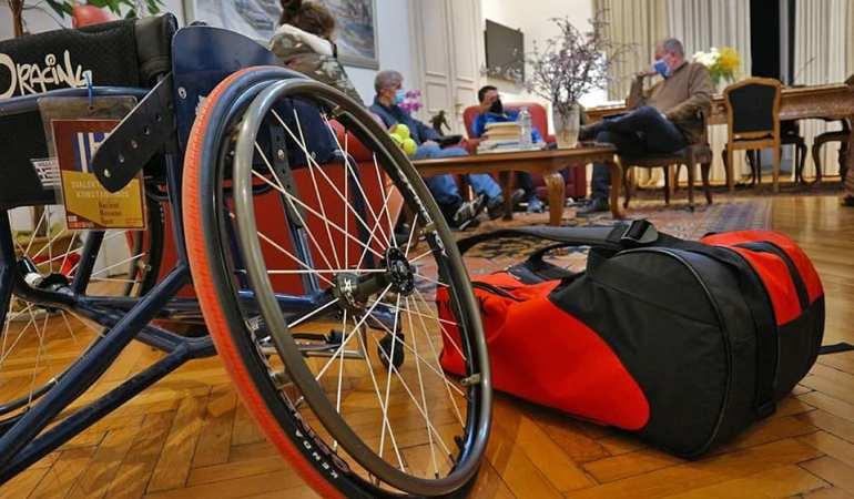 Δήμος Καβάλας: Συνάντηση του Δημάρχου Καβάλας. Θόδωρου Μουριάδη, με αθλητές και προπονητές του Τένις με Αμαξίδιο