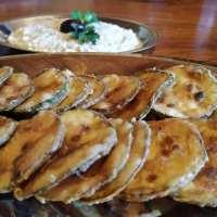 Ένα καλοκαιρινό και αγαπημένο πιάτο για μεζεδάκι - Τραγανά κολοκυθάκια με σκορδαλιά