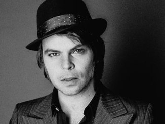 GAZ COOMBES - releases new single 'Detroit' on 6th April - watch video