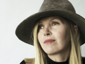 SARAH CRACKNELL - Releases 2nd solo album 'Red Kite' in June - Listen to track