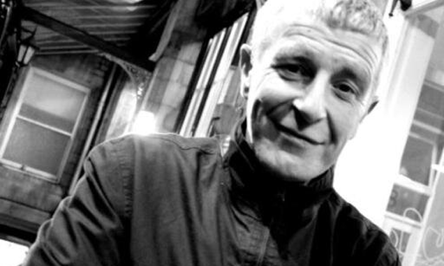 Interview: Si Wolstencroft - original member of The Stone Roses & The Smiths talks about his new book.