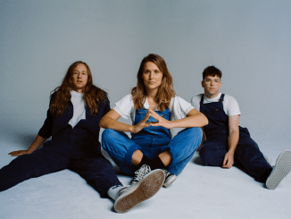 MIDDLE KIDS Announce debut album 'Lost Friends' - check out first single 'MISTAKE'