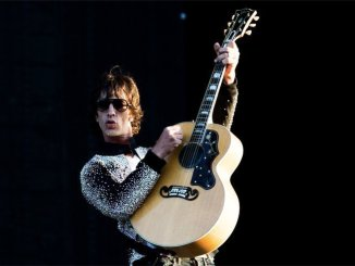 RICHARD ASHCROFT announces new album & UK dates 1