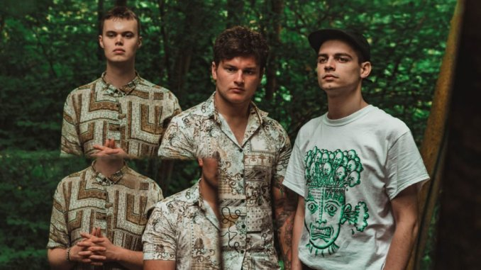 Leeds-based psych-grunge trio BROODERS announce their new single, 'Breathe' - Listen Now