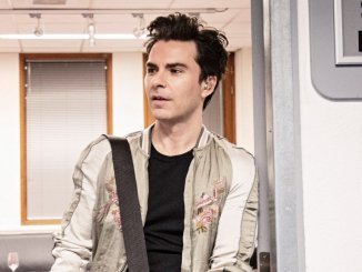 Stereophonics frontman KELLY JONES adds 8 x new September 2019 dates to rare intimate UK solo tour
