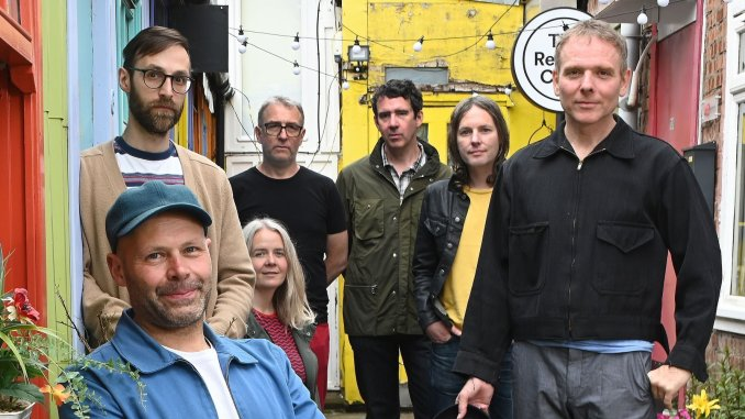 BELLE AND SEBASTIAN release the video for new single 'This Letter' - Watch Now