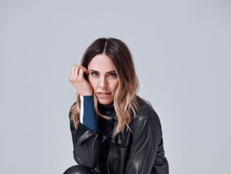 MELANIE C returns with brand new single, 'High Heels' (with Sink The Pink)