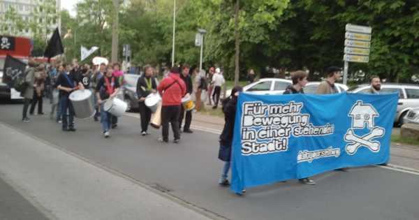 Partytime in Duisburg: Tanzdemo für ein soziokulturelles Zentrum
