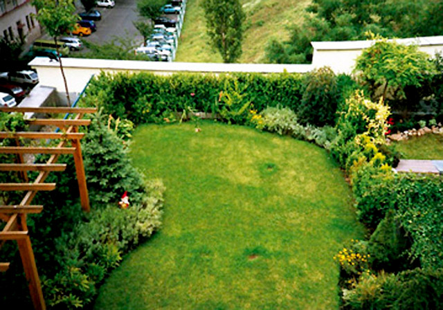 designing green home exteriors roof garden