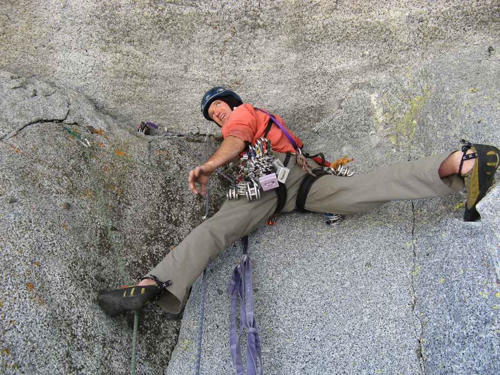 Rock Climbing Colchuck Balanced Rock Rikki Tikki Tavi Route Wenatchee Washington Usa