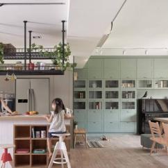 Cheap Kitchen Islands Kohler Purist Faucet 田园说 厨房加一个中岛台这样做有情调 雪花新闻 使用功能还可以增强 使用方便 把厨房空间做好 可以让自己更加的愿意在里面大展自己的厨艺 想要做一个中岛台 这个想法就很前卫