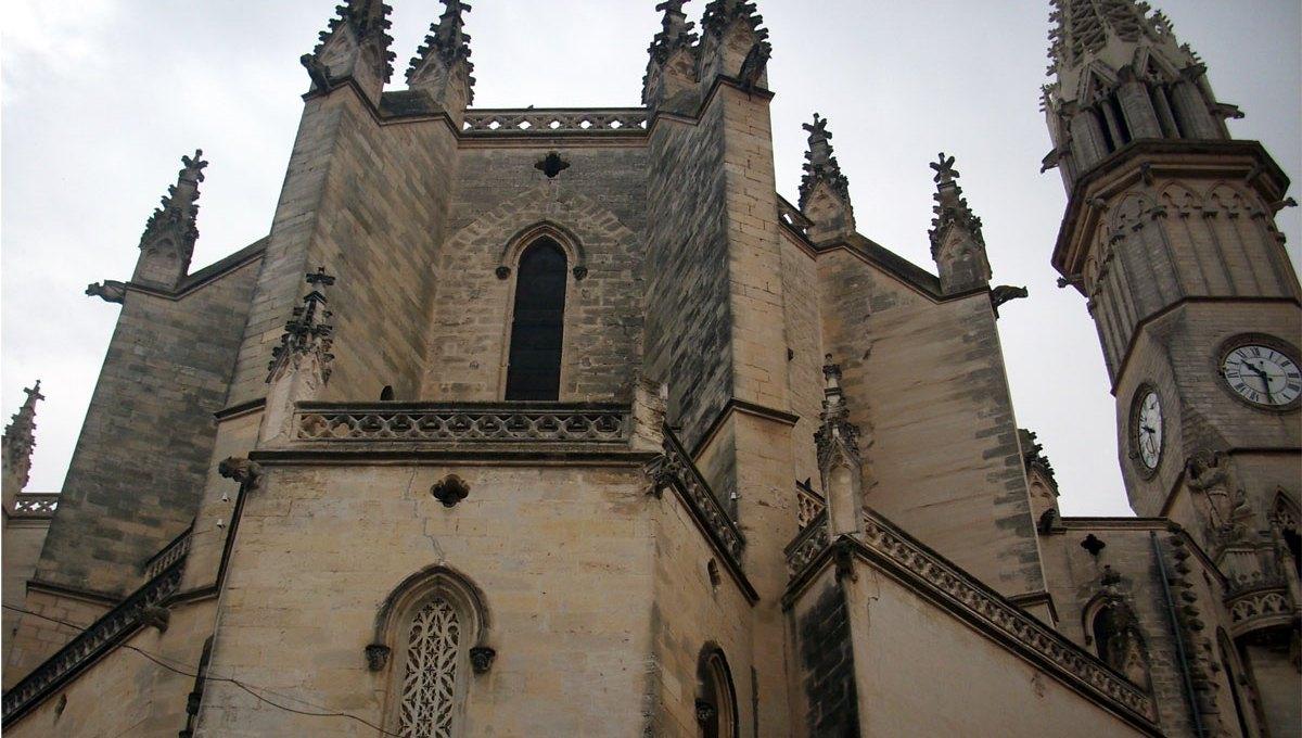 Mächtig erhebt sich die Kirche von Manacor